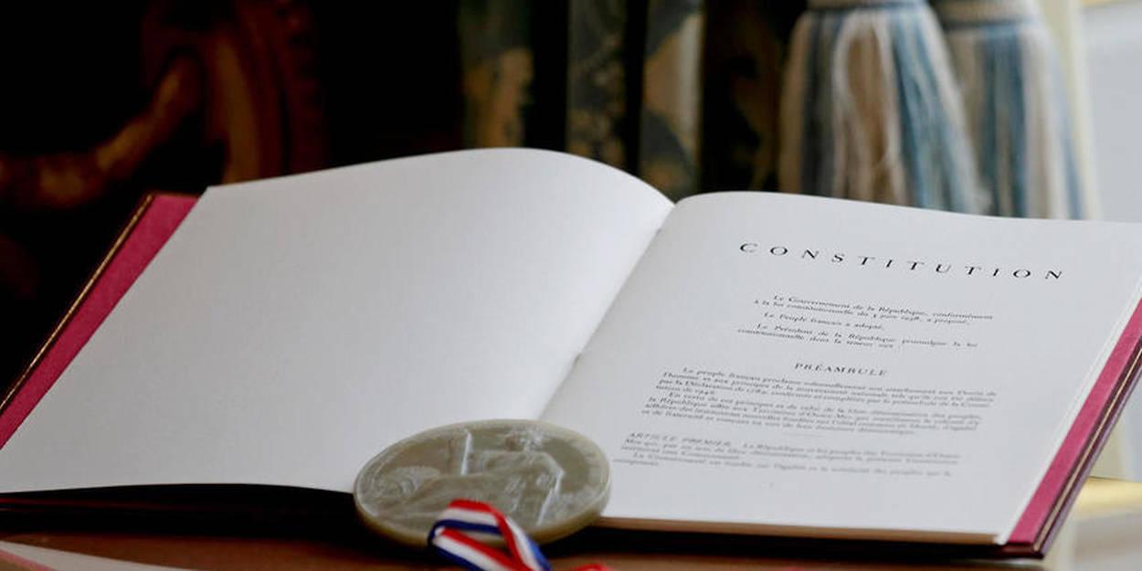 constitution-ecriture