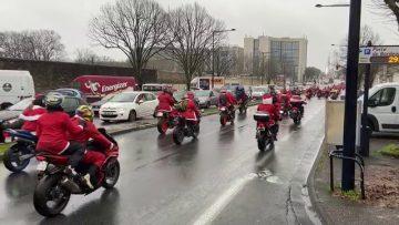 1380 pères Noël au CHU de Bordeaux pour distribuer les cadeaux !