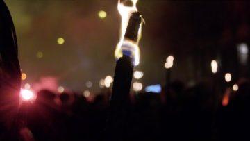 Retraite : marche aux flambeaux contre la réforme