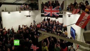 Célébration du Brexit à Paris : décompte, et hymnes britanniques et français