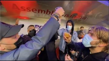 Les restaurateurs en colère installent un bar dans le métro (6 octobre 2020, Paris)