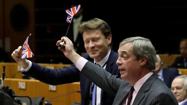 Le «début de la fin du projet» européen ? Farage se paye l'UE dans son dernier discours au Parlement