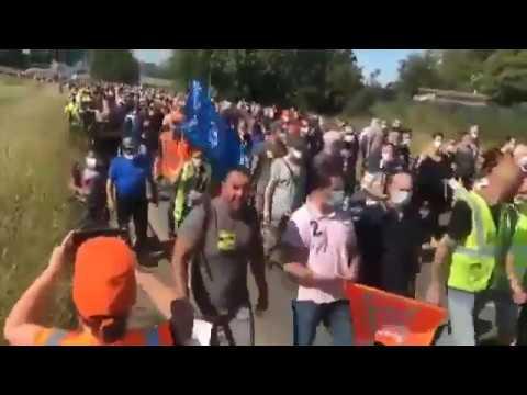 Des milliers de manifestants se dirigent vers la mairie de Maubeuge – Renault