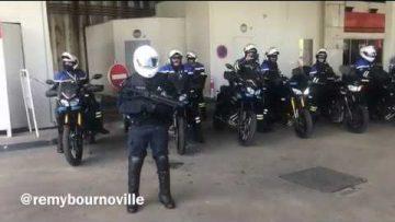 des-motards-de-la-police-obliges