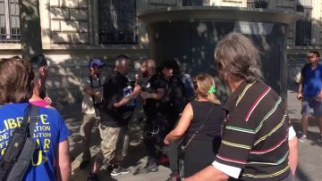 policier-en-civil-agresse-un-hom