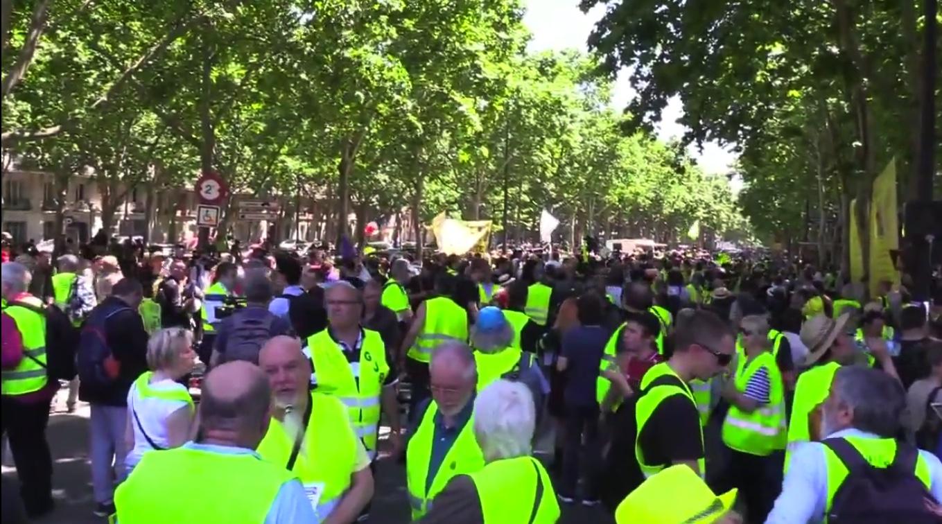 Paris : les Gilets jaunes se mobilisent pour le 29e acte de leur mouvement