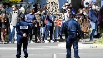 EXCLU ! Emmanuel Macron, adulé par le peuple a Montpellier ! Non, je déconne