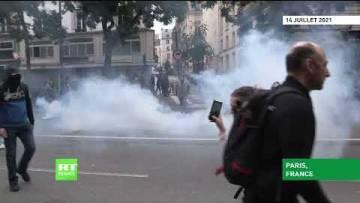Manifestation contre le pass sanitaire : les forces de l'ordre font usage de gaz lacrymogène à Paris