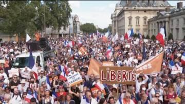 Paris, Montpellier, Marseille… Des milliers de manifestants contre le pass sanitaire