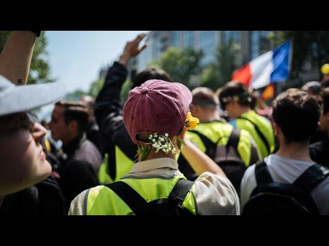 Sixième samedi de mobilisation nationale contre le pass sanitaire à Paris